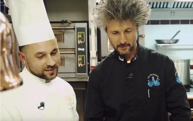 Antonio Salvatore, chef du restaurant rampoldi à monaco, recoit Cyril Lorenzi, lec pecheries à Menton avec son poisson