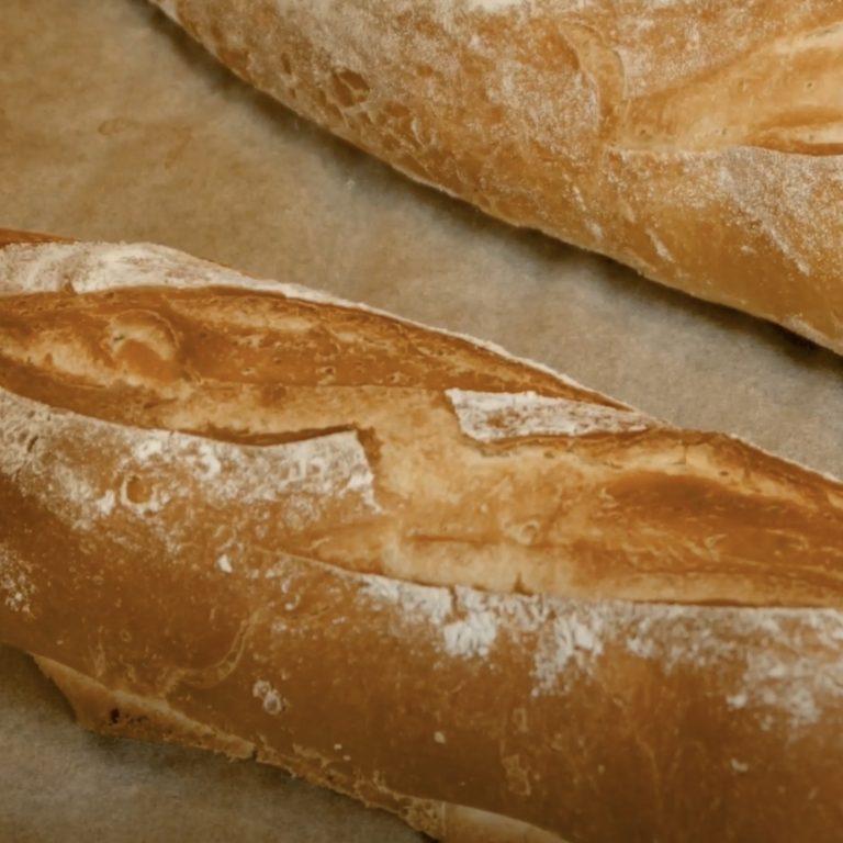 Préparez votre pain croustillant à la maison
